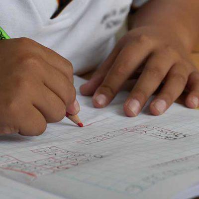 Una scuola su misura di bambino, con orari che vanno incontro a chi lavora