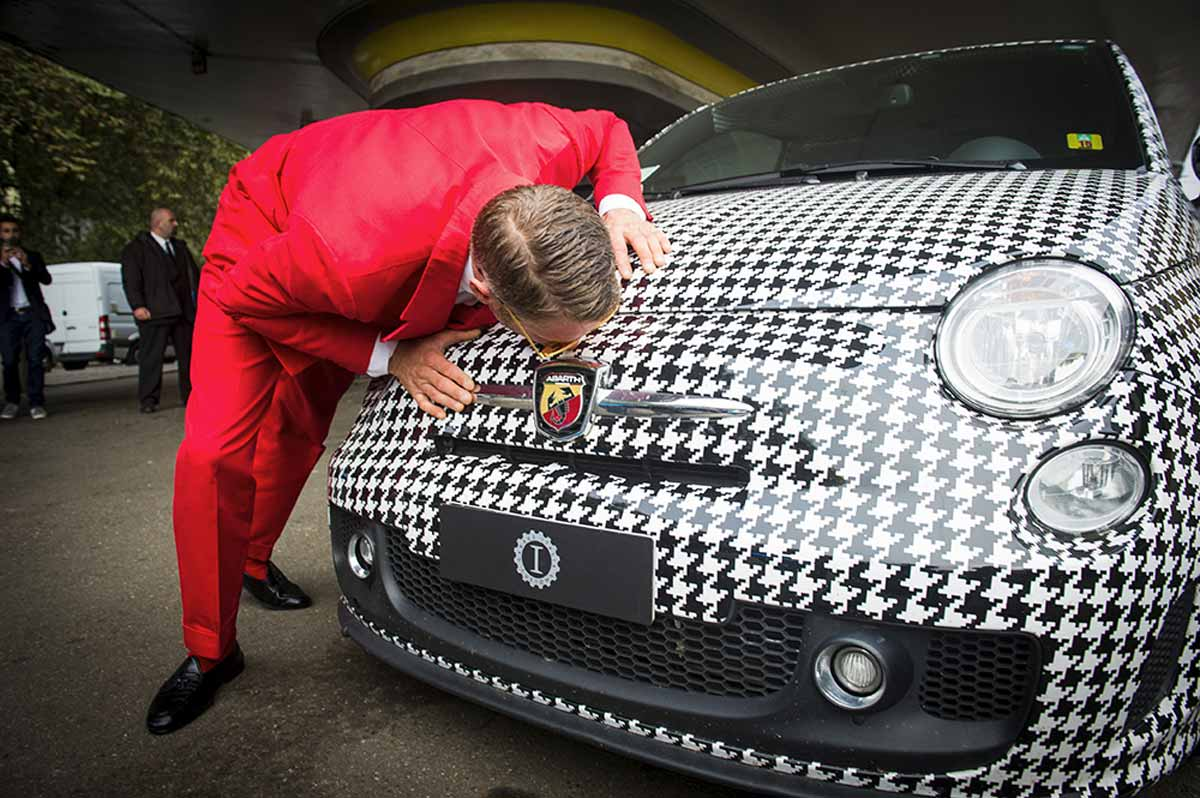 Lapo elkann e garage italia customs inaugurano la nuova - Garage italia customs piazzale accursio ...